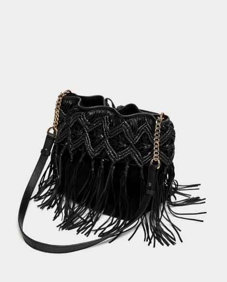 Kožená kabelka s třásněmi