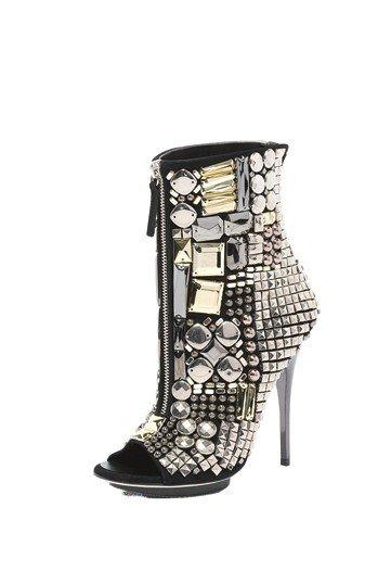 Špičaté boty