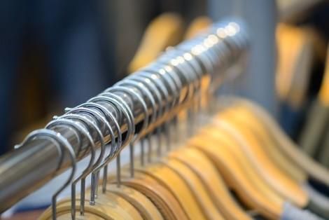 coat-hangers-3792840_640
