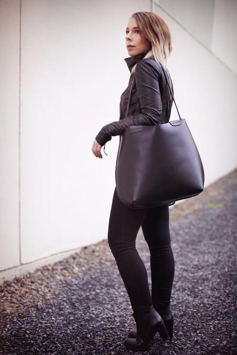 Dámská černá kožená taška přes rameno, autor: Idhren