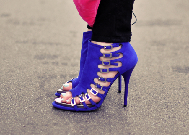 Fialové kotníkové boty