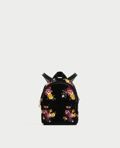 Sametový mini batoh s výšivkou