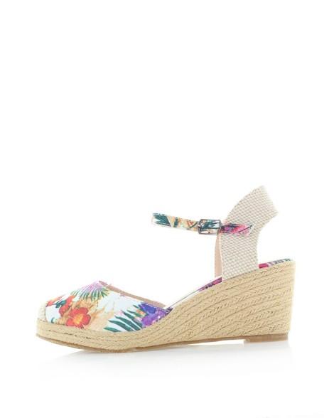 Plné sandály