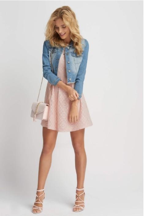 Světle růžové krajkové šaty
