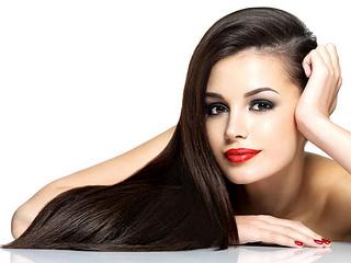 Letní péče o vlasy
