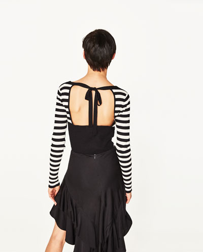 Tričko s odhalenými zády